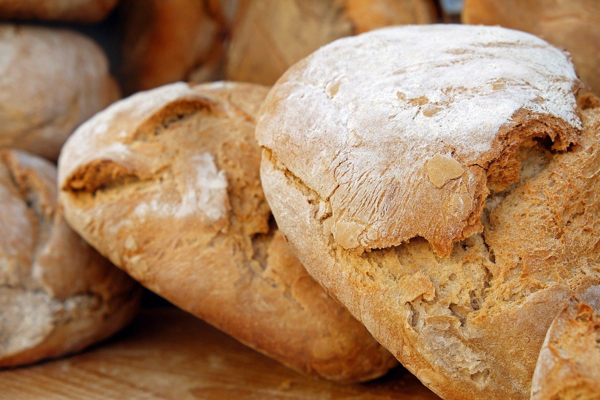 Krásný a výživný bochník chleba ze špaldové mouky