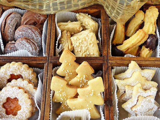 roztříděné vánoční cukroví