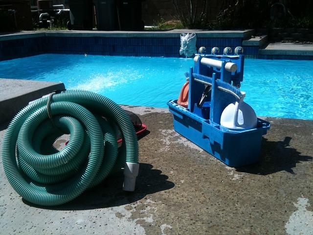 čištění bazénzu